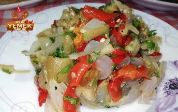 Köz Patlıcan Salatası