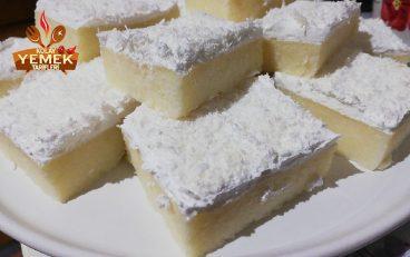 Krem Şantili Sütlü İrmik Tatlısı Tarifi