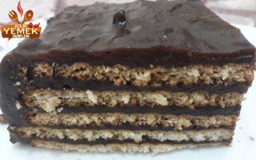 Pudinğli Bisküvili Pasta Tarifi